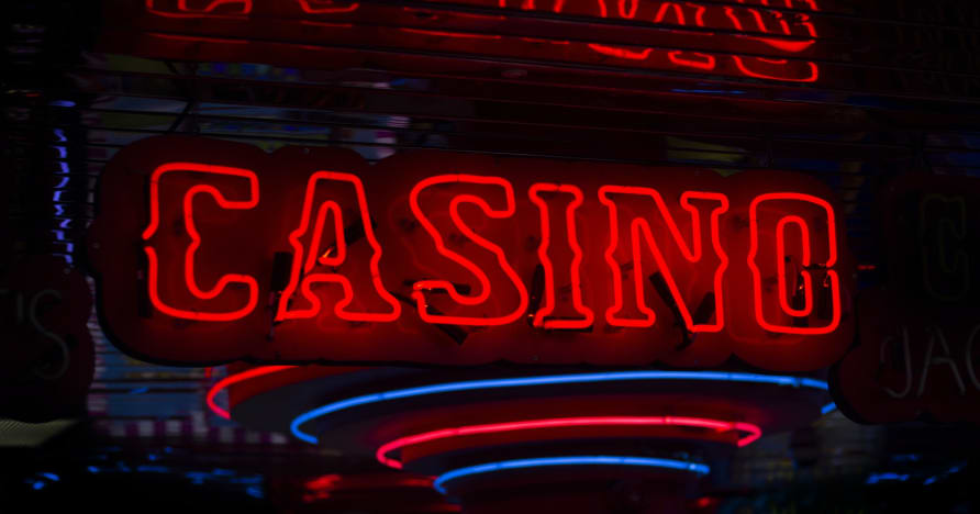The Difference Between Online Casinos & Land-Based Casinos